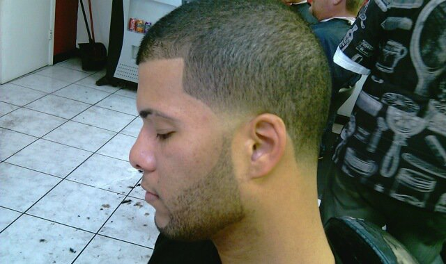Barber Beard Trim : BEARD TRIMMING & EDGES